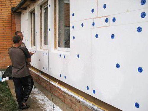 Утепляем стены флигеля пенопластом